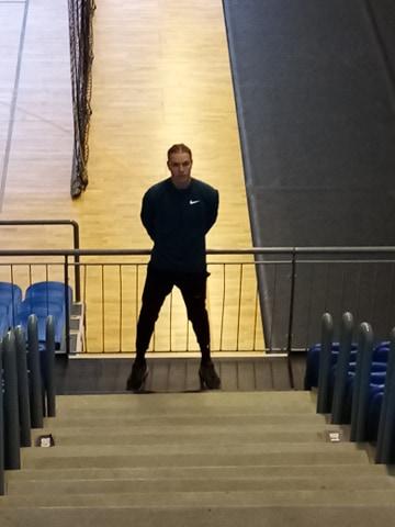 Edzés lépcsőn Bakosi Péterrel, a Nyíregyházi Sportcentrum magasugrójával