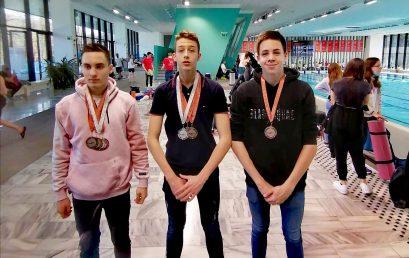 Ezüst- és bronzérmek a 40. Arany Üst úszóversenyről