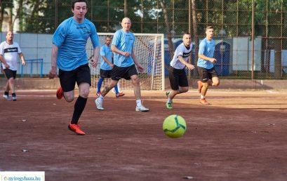 Dechatlon – Konyha Möbel Kft. – Nyíregyházi Sportcentrum Kispályás Labdarúgás 2021.  Fotó: Szarka Lajos, www.nyiregyhaza.hu